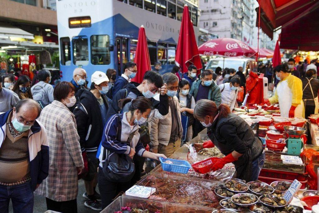 Customers at the wet market in Chun Yeung Street in North Point, Hong Kong. Photo: Sam Tsang